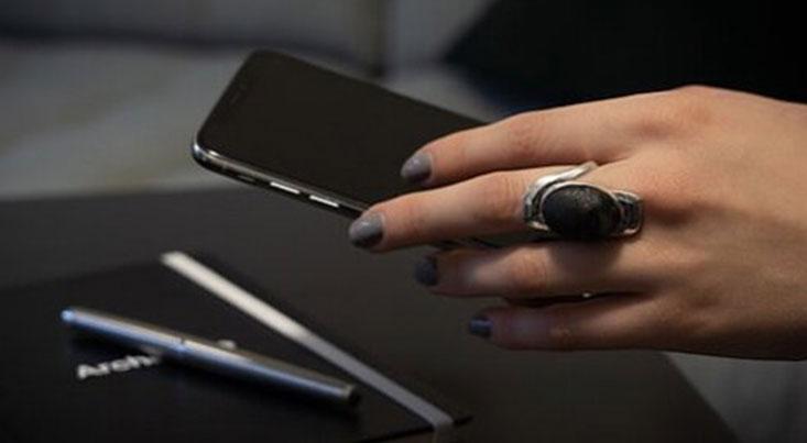 تولید اثر انگشت مصنوعی توسط نوعی انگشتر
