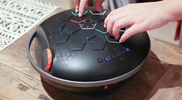 دستگاه قابل حمل برای ساخت موسیقی با نوک انگشت